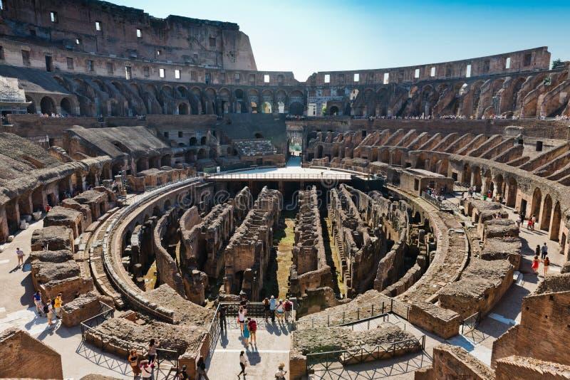Dentro di Colosseum a Roma, l'Italia fotografia stock libera da diritti