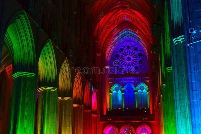 Dentro di Washington National Cathedral immagini stock libere da diritti