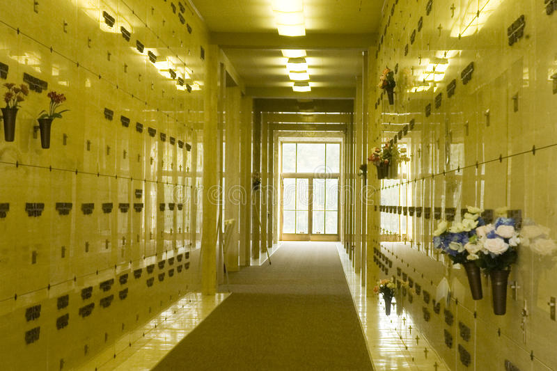 Dentro do Columbarium imagem de stock royalty free