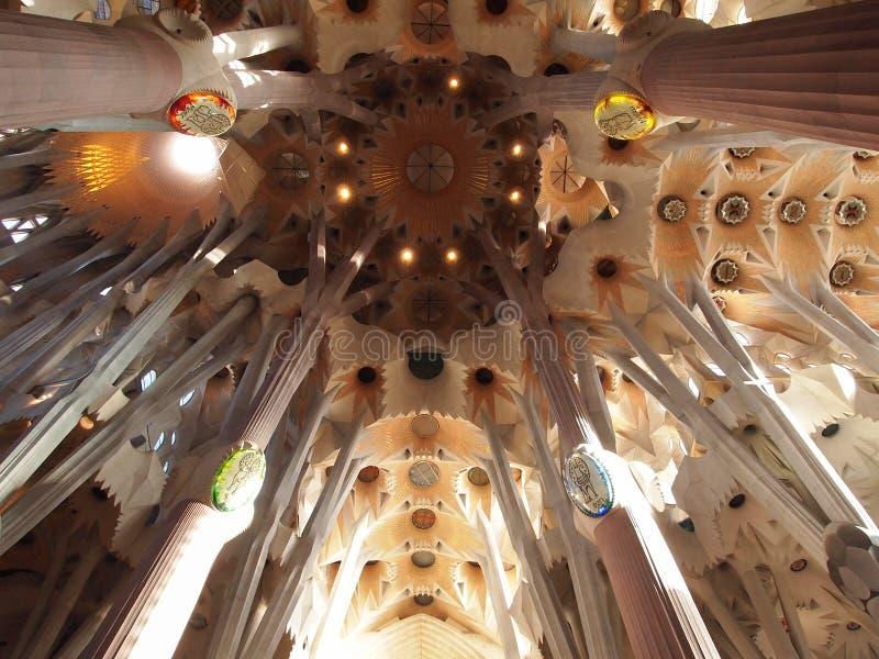Dentro do La Sagrada Familia fotos de stock