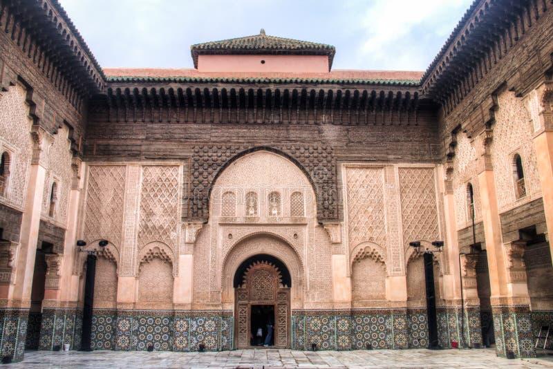 Dentro do medersa Ben Youssef em C4marraquexe, Marrocos fotos de stock
