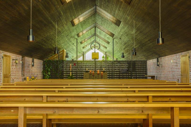Dentro do monastério carmelita católico da igreja de Dachau Concen fotografia de stock