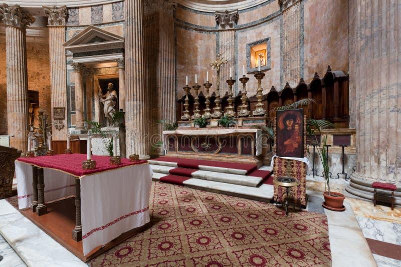 Dentro do panteão em Roma, Itália Agora St Mary e a igreja dos mártir imagem de stock royalty free