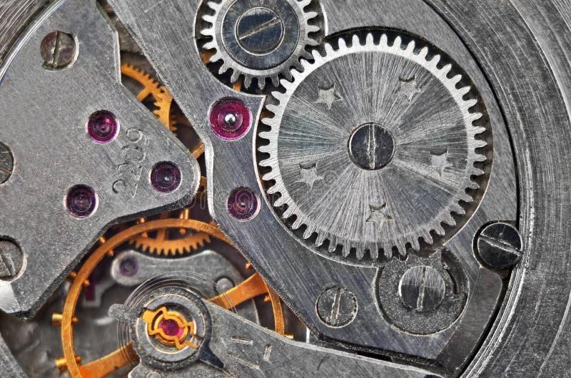 Dentro do pulso de disparo (maquinismo de relojoaria) fotografia de stock