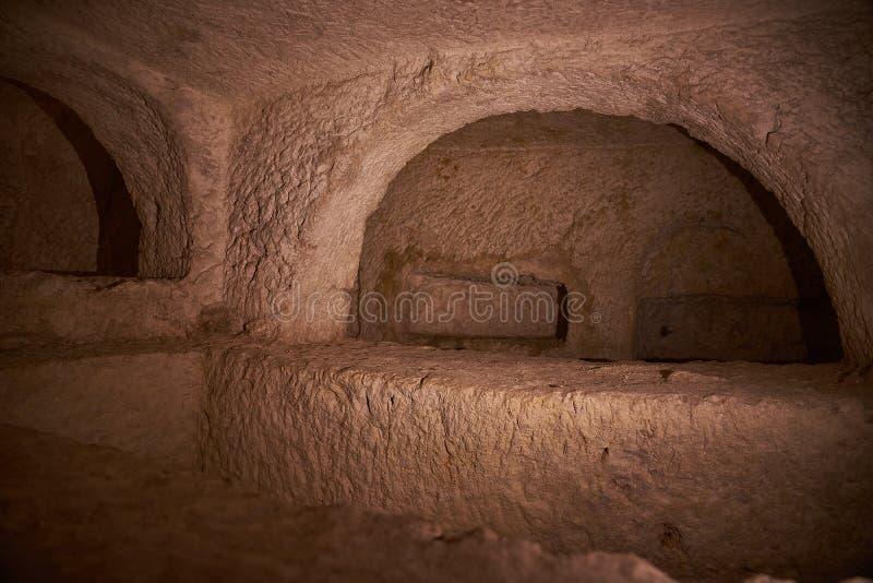 Dentro do St Pauls Catacombs em Rabat, Malta fotografia de stock