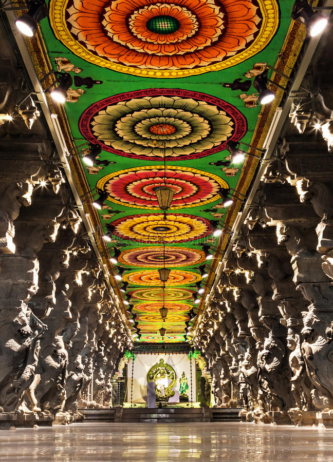 Dentro do templo de Meenakshi foto de stock royalty free