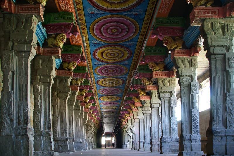 Dentro do templo hindu de Meenakshi em Madurai imagem de stock royalty free