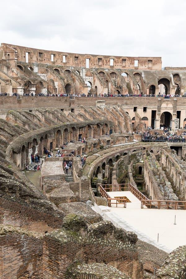 Dentro il Colosseum, Amphitheatrum Novum, Amphitheatrum Flavium fotografie stock libere da diritti