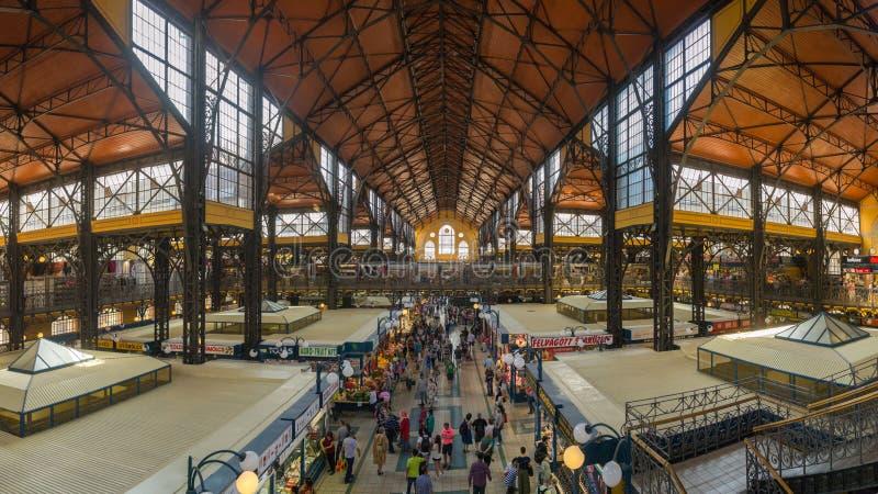 Dentro il mercato centrale di Budapest, un'attrazione turistica importante immagini stock libere da diritti
