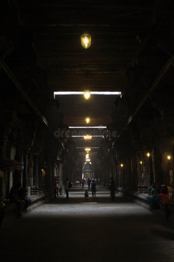 Dentro il tempio indù Sivan Kovil a Colombo immagini stock