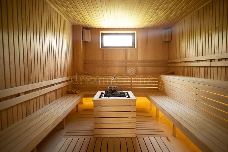 Dentro l'ampia vista di sauna asciutta immagine stock libera da diritti