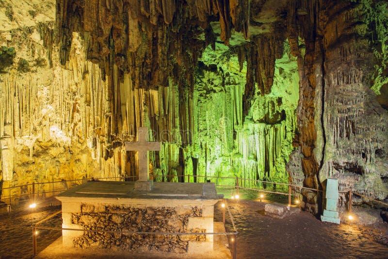 Dentro la caverna di Melidoni. Creta. La Grecia immagine stock libera da diritti