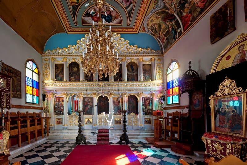 Dentro la Vergine Santa Mary The Golden Spring di Panagia Chrysopigi della chiesa ortodossa in Zacinto, la Grecia fotografia stock