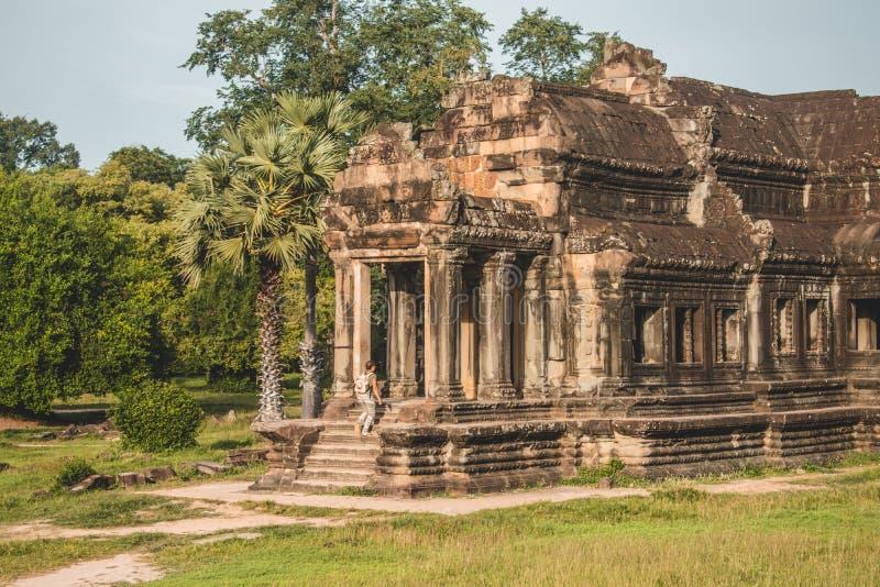Dentro le tempie antiche di Angkor Wat della Cambogia fotografia stock libera da diritti
