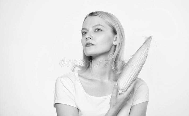 Dents saines Agriculture et culture Femme mangeant du ma?s industrie v?g?tale d'agriculture de r?colte Agriculture, agriculteur photographie stock libre de droits