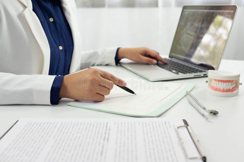 Dentysty badania kontrolne Stomatologicznego Stomatologicznego traktowania Oralny traktowanie obrazy stock