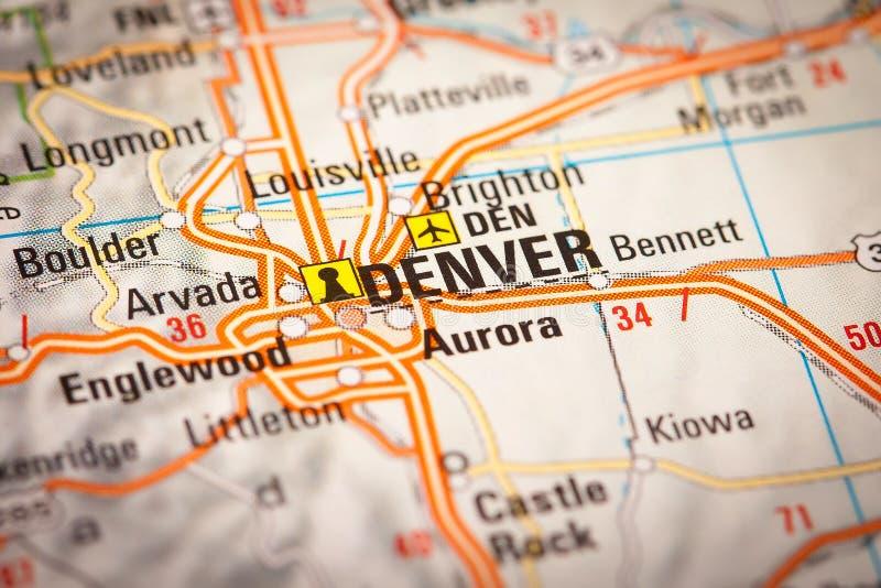 Denver City en un mapa de camino imagen de archivo libre de regalías