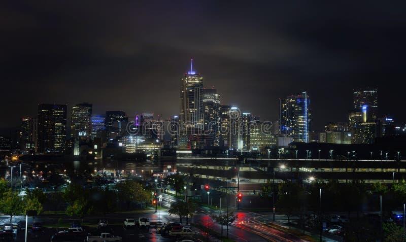 Denver Colorado City Skyline bij Nacht royalty-vrije stock foto
