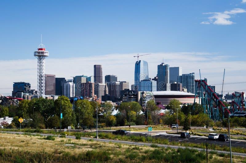 DENVER, COLORADO - Oktober 05 2017: Im Stadtzentrum gelegene Denver-Wolkenkratzer lizenzfreies stockbild