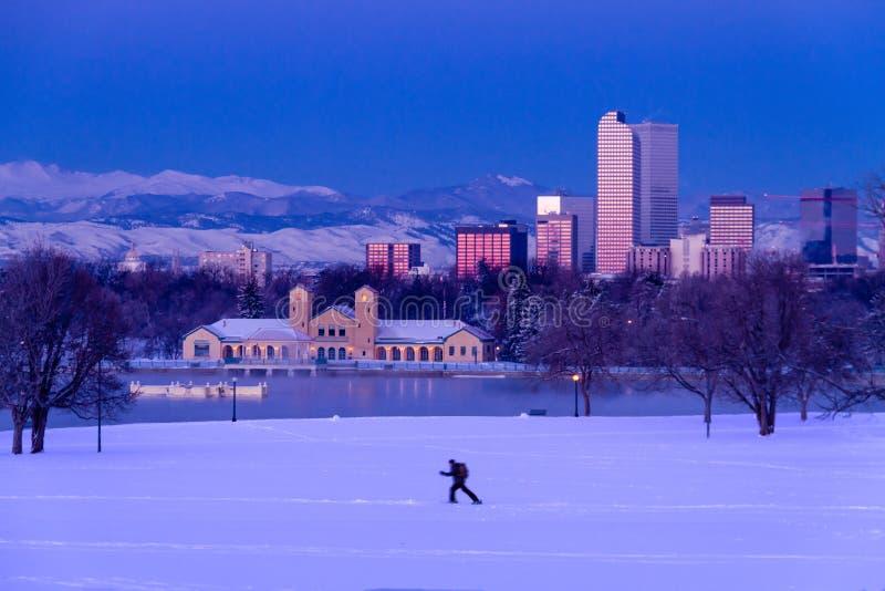 Denver Colorado Skyline dans neige en février 2013 photo libre de droits