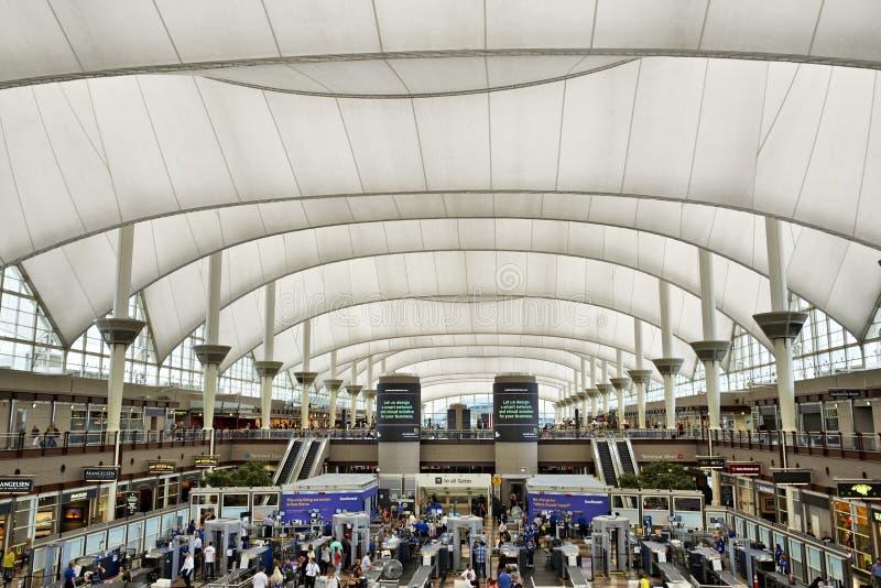 Denver International-luchthaventerminal stock foto