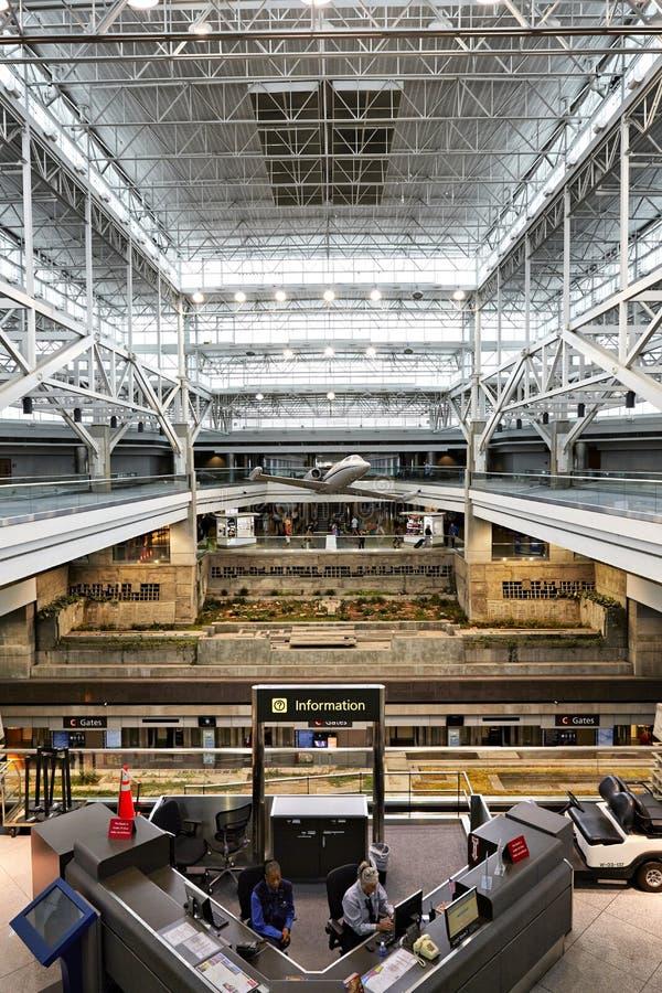 Denver International-luchthaventerminal royalty-vrije stock foto