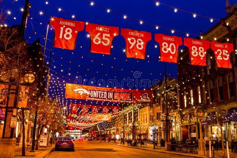Denver Larimer Square NFL unido en naranja fotos de archivo