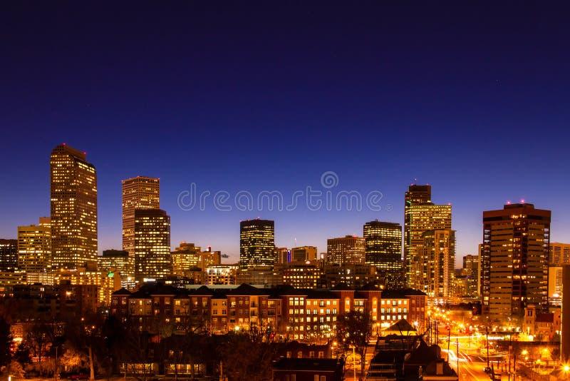 Denver Skyline en hora marzo de 2013 azul imagen de archivo libre de regalías