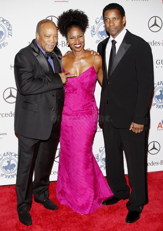 Denzel Washington, Pauletta Washington y Quincy Jones fotos de archivo
