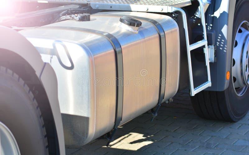 Depósito de gasolina do caminhão imagem de stock royalty free