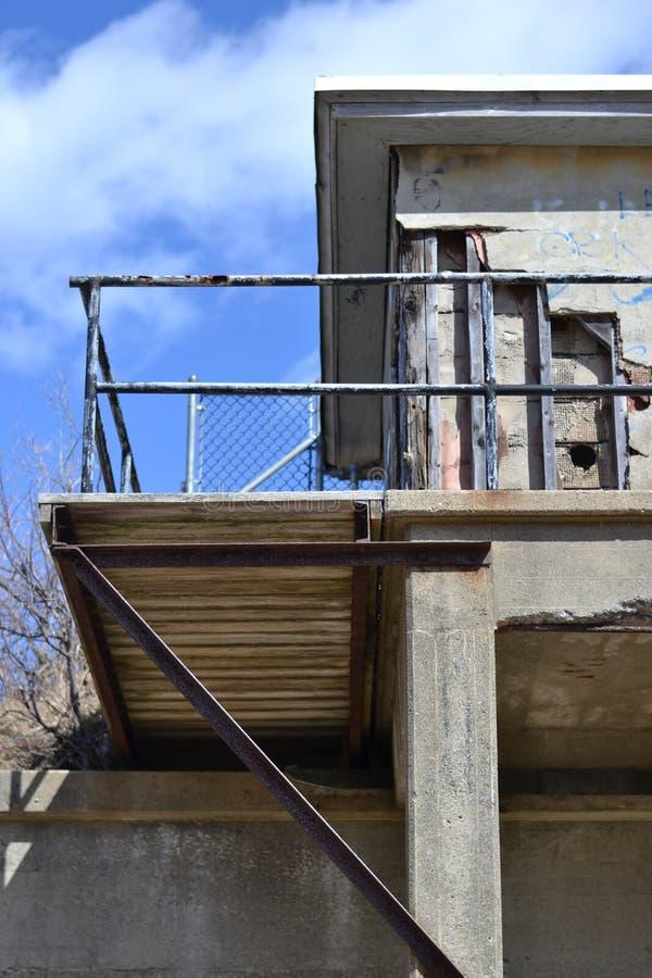 Depósito militar abandonado fotografia de stock
