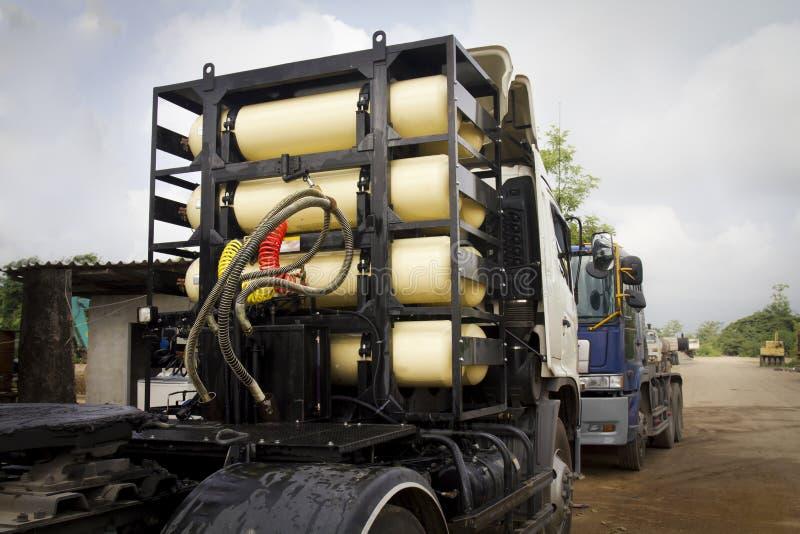 Depósitos de gas de CNG/de NGV para el carro pesado imágenes de archivo libres de regalías