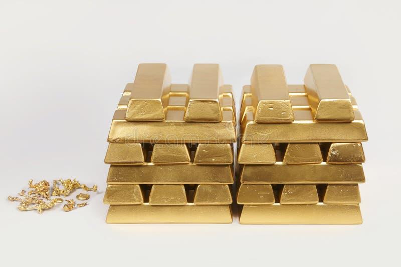 Dep?sito do ouro ilegal em uma quantidade de 500 quilos em tijolos padr?o fotos de stock