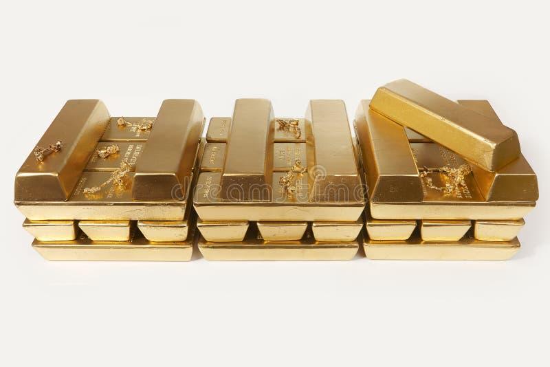 Dep?sito do ouro ilegal em uma quantidade de 500 quilos em tijolos padr?o imagem de stock