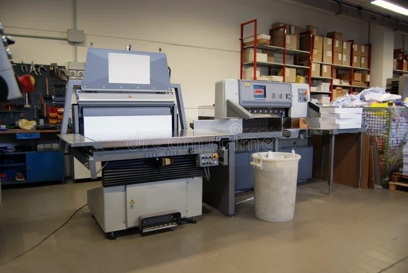 Departamento de impresión - línea de acabamiento fotos de archivo