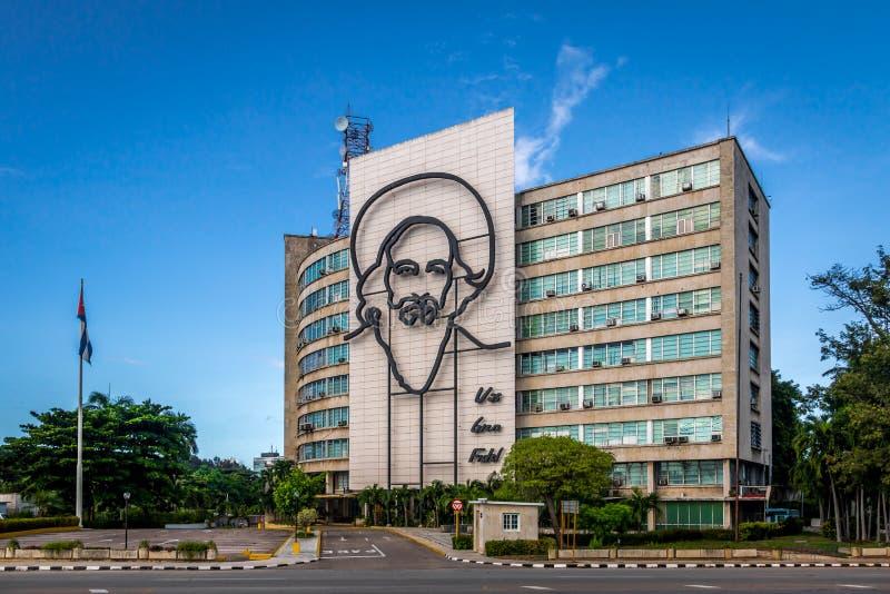 Departement av kommunikationer i plazaen de la Revolucion - havannacigarr, Kuba royaltyfri foto