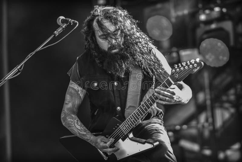 Departement industrialmetal Cesar Soto levande konsert 2017 arkivfoto