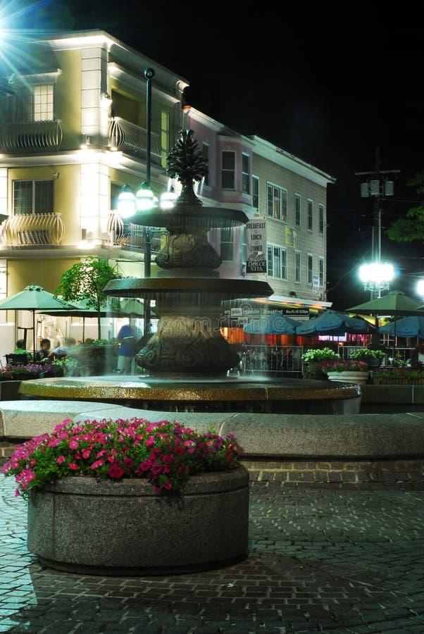 DePasquale广场,上帝,罗德岛州在晚上 免版税库存图片