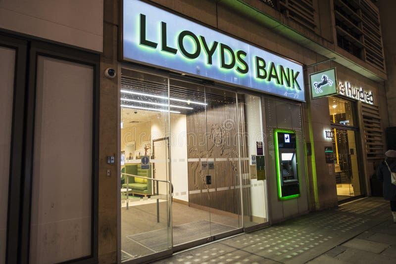 Dependência bancária do banco de Lloyds em Londres, Inglaterra, Reino Unido imagens de stock