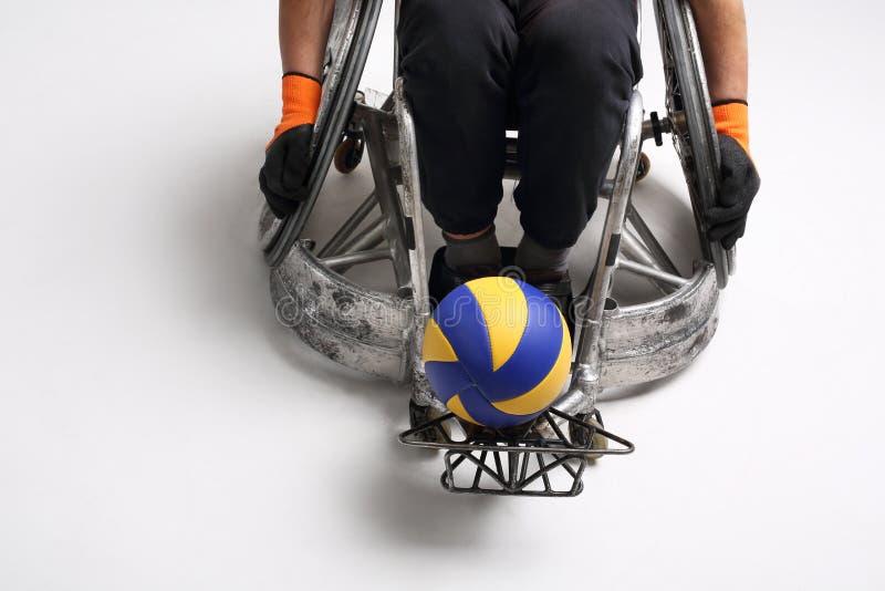Deporte en una silla de ruedas imagen de archivo libre de regalías