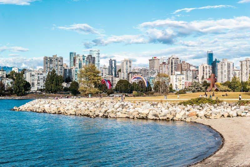 Deportes en el parque de Vanier cerca de la playa de Kitsilano en Vancouver, Canadá fotografía de archivo libre de regalías