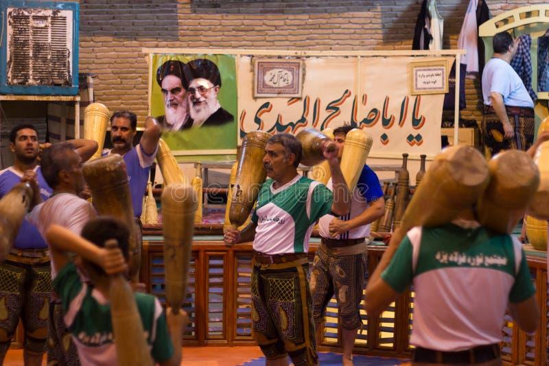 Deportes tradicionales (Zurkhaneh) en Yazd, Irán fotos de archivo libres de regalías