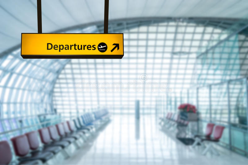 Deporture σημαδιών αερολιμένων και πίνακας άφιξης στοκ φωτογραφία με δικαίωμα ελεύθερης χρήσης