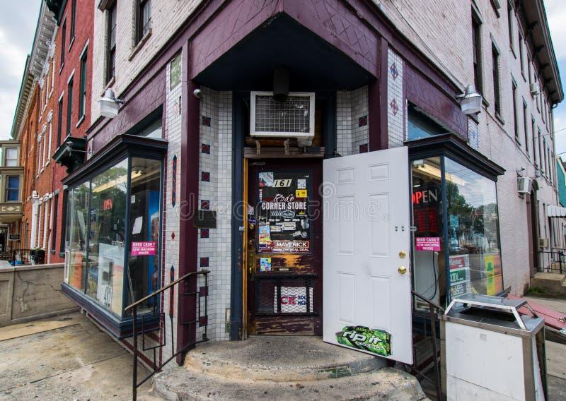 Deposito d'angolo urbano a York, Pensilvania fotografia stock