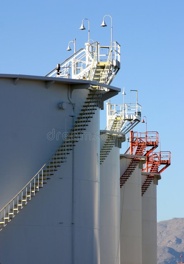 Deposito dei prodotti petroliferi immagini stock