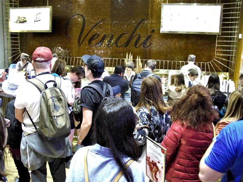 Deposito del negozio di gelato di Venchi a Roma fotografia stock