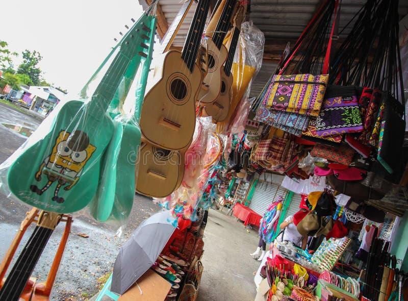 Deposito del ricordo in Cagsawa l'Albay, regione Filippine di Bicol immagini stock