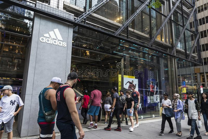 Deposito di Adidas in New York, U.S.A. fotografia stock libera da diritti