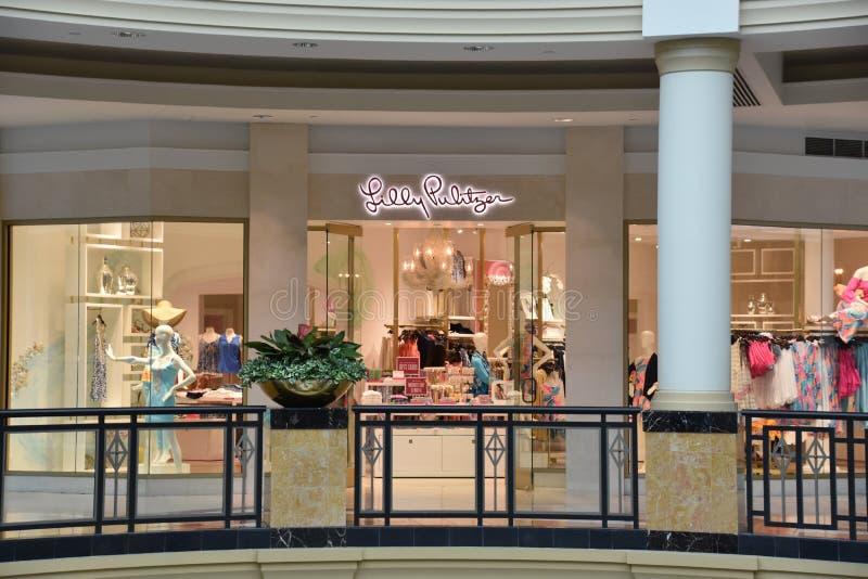 Deposito di Lilly Pulitzer a re del centro commerciale della Prussia in Pensilvania immagini stock
