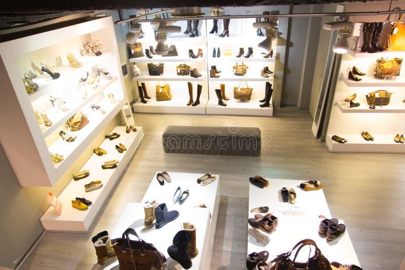 Deposito di scarpe fotografia stock
